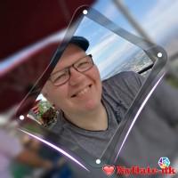 The1´s dating profil. The1 er 54 år og kommer fra Midtjylland - søger Kvinde. Opret en dating profil og kontakt The1