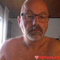ole56´s dating profil. ole56 er 56 år og kommer fra Fyn - søger Kvinde. Opret en dating profil og kontakt ole56