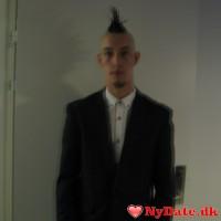 Lasse_22´s dating profil. Lasse_22 er 25 år og kommer fra Århus - søger Kvinde. Opret en dating profil og kontakt Lasse_22