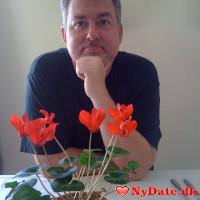 Frankwhite601´s dating profil. Frankwhite601 er 60 år og kommer fra København - søger Kvinde. Opret en dating profil og kontakt Frankwhite601
