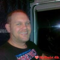 dennis75´s dating profil. dennis75 er 45 år og kommer fra Østjylland - søger Kvinde. Opret en dating profil og kontakt dennis75