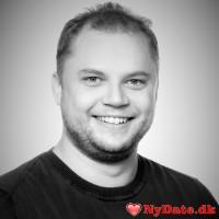 nielsbn´s dating profil. nielsbn er 33 år og kommer fra Østjylland - søger Kvinde. Opret en dating profil og kontakt nielsbn