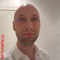 MKristensen8382´s dating profil. MKristensen8382 er 26 år og kommer fra Århus - søger Kvinde. Opret en dating profil og kontakt MKristensen8382