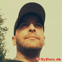 Nafets´s dating profil. Nafets er 40 år og kommer fra Sønderjylland - søger Kvinde. Opret en dating profil og kontakt Nafets