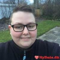 Simmelsgaard´s dating profil. Simmelsgaard er 34 år og kommer fra Midtjylland - søger Mand. Opret en dating profil og kontakt Simmelsgaard