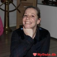 Diana´s dating profil. Diana er 40 år og kommer fra Midtjylland - søger Mand. Opret en dating profil og kontakt Diana