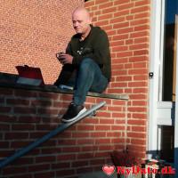 DerAlte´s dating profil. DerAlte er 53 år og kommer fra Nordjylland - søger Kvinde. Opret en dating profil og kontakt DerAlte