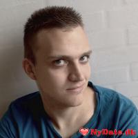 TM95´s dating profil. TM95 er 22 år og kommer fra Odense - søger Kvinde. Opret en dating profil og kontakt TM95