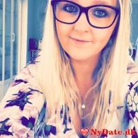 Camilla13´s dating profil. Camilla13 er 27 år og kommer fra Midtjylland - søger Mand. Opret en dating profil og kontakt Camilla13