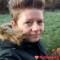 Annie´s dating profil. Annie er 40 år og kommer fra Sønderjylland - søger Mand. Opret en dating profil og kontakt Annie