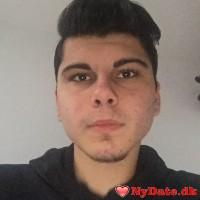 _ali_2605_´s dating profil. _ali_2605_ er 21 år og kommer fra København - søger Kvinde. Opret en dating profil og kontakt _ali_2605_