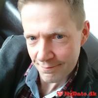 Legacy´s dating profil. Legacy er 52 år og kommer fra København - søger Kvinde. Opret en dating profil og kontakt Legacy