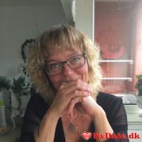 doris´s dating profil. doris er 55 år og kommer fra Vestjylland - søger Mand. Opret en dating profil og kontakt doris
