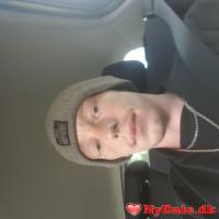 Daniel2020´s dating profil. Daniel2020 er 28 år og kommer fra Sønderjylland - søger Kvinde. Opret en dating profil og kontakt Daniel2020
