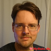 Theis´s dating profil. Theis er 32 år og kommer fra København - søger Kvinde. Opret en dating profil og kontakt Theis