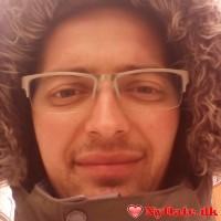 zazaer´s dating profil. zazaer er 29 år og kommer fra København - søger Kvinde. Opret en dating profil og kontakt zazaer