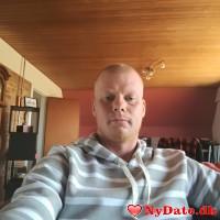 Leonhard´s dating profil. Leonhard er 34 år og kommer fra Østjylland - søger Kvinde. Opret en dating profil og kontakt Leonhard