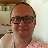 Jimmy1247´s dating profil. Jimmy1247 er 43 år og kommer fra Bornholm - søger Kvinde. Opret en dating profil og kontakt Jimmy1247