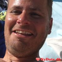 Strandtossen´s dating profil. Strandtossen er 38 år og kommer fra Fyn - søger Kvinde. Opret en dating profil og kontakt Strandtossen