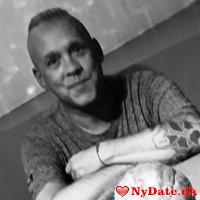 EnPlusEnErTo´s dating profil. EnPlusEnErTo er 45 år og kommer fra Østjylland - søger Kvinde. Opret en dating profil og kontakt EnPlusEnErTo