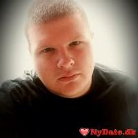 MrLarsen´s dating profil. MrLarsen er 26 år og kommer fra Midtsjælland - søger Kvinde. Opret en dating profil og kontakt MrLarsen