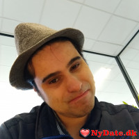 Michiel´s dating profil. Michiel er 33 år og kommer fra Andet - søger Kvinde. Opret en dating profil og kontakt Michiel