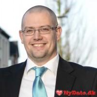 Bj80´s dating profil. Bj80 er 37 år og kommer fra Sønderjylland - søger Kvinde. Opret en dating profil og kontakt Bj80