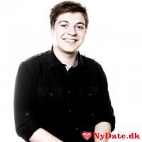 filthyja´s dating profil. filthyja er 24 år og kommer fra Odense - søger Kvinde. Opret en dating profil og kontakt filthyja