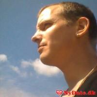 Senius1979´s dating profil. Senius1979 er 41 år og kommer fra Sønderjylland - søger Kvinde. Opret en dating profil og kontakt Senius1979