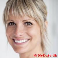 Anne1990´s dating profil. Anne1990 er 30 år og kommer fra København - søger Mand. Opret en dating profil og kontakt Anne1990