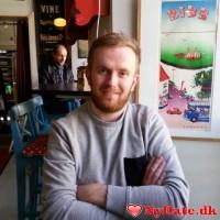 Bl88´s dating profil. Bl88 er 30 år og kommer fra Østjylland - søger Kvinde. Opret en dating profil og kontakt Bl88