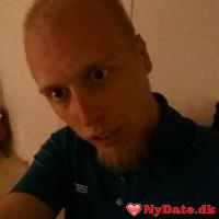 Jbufas96´s dating profil. Jbufas96 er 23 år og kommer fra Nordjylland - søger Kvinde. Opret en dating profil og kontakt Jbufas96