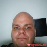 knc1981´s dating profil. knc1981 er 39 år og kommer fra Østjylland - søger Kvinde. Opret en dating profil og kontakt knc1981