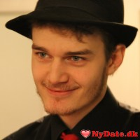 Lucien´s dating profil. Lucien er 26 år og kommer fra Østjylland - søger Kvinde. Opret en dating profil og kontakt Lucien