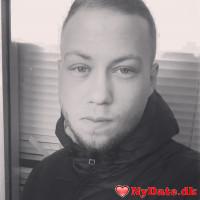 Pm1423´s dating profil. Pm1423 er 23 år og kommer fra Sønderjylland - søger Kvinde. Opret en dating profil og kontakt Pm1423