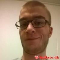 pete415c´s dating profil. pete415c er 24 år og kommer fra Midtjylland - søger Kvinde. Opret en dating profil og kontakt pete415c