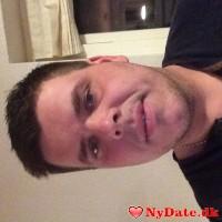 Tommy34´s dating profil. Tommy34 er 39 år og kommer fra Sønderjylland - søger Kvinde. Opret en dating profil og kontakt Tommy34