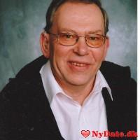 Hingsten1´s dating profil. Hingsten1 er 71 år og kommer fra Østjylland - søger Kvinde. Opret en dating profil og kontakt Hingsten1