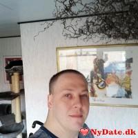 Tfs1979´s dating profil. Tfs1979 er 39 år og kommer fra Sønderjylland - søger Kvinde. Opret en dating profil og kontakt Tfs1979