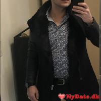 Lucian1990´s dating profil. Lucian1990 er 31 år og kommer fra Midtjylland - søger Kvinde. Opret en dating profil og kontakt Lucian1990