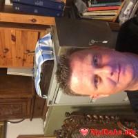 Shearer9´s dating profil. Shearer9 er 44 år og kommer fra Sønderjylland - søger Kvinde. Opret en dating profil og kontakt Shearer9